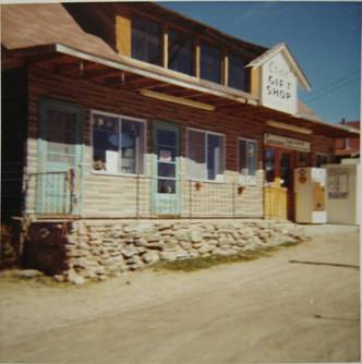 Trout Lodge and High Country Club brochure, note the two-story building – later known as Del Rea's High Country Restaurant after fire destroyed upper story.
